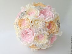 Брошь букет невесты. Пионы айвори бежевый розовый в интернет-магазине на Ярмарке Мастеров.