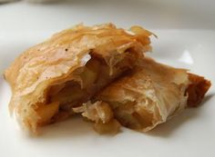 Flaky, buttery mini apple pies that fit in the palm of your hand! Only 160 calories per serving.