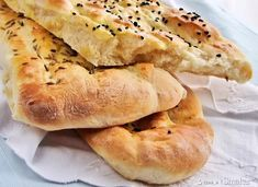 Persian Bread - recipe in Polish Savoury Baking, Bread Baking, Pizza Bake, Bread Pizza, Desi Food, Unprocessed Food, Our Daily Bread, Bread Board, International Recipes