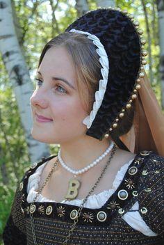 Anne Boleyn style french hood