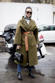 New fashion week street style 2017 winter Ideas Look Street Style, Street Style 2017, Street Style Trends, Autumn Street Style, Street Style Women, Fashion Week, Paris Fashion, Winter Fashion, Fashion Trends