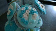 Cupcakes,baby shower, blue, baby boy, flowers, body, nascita bambino, fiori, tutine, scarpette, biberon, composizione in vaso, lettere , nome, pdz, mmf, fondent,pasta di zucchero