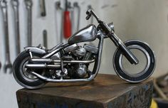 This is the crude copy I made of Benny's chopper on photo next to this one.
