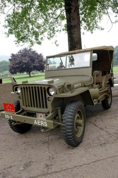 1942 Willys MB - Photo submitted by Andrew Logaiskiy.