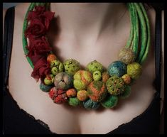 Felted necklace/collar with balls - green, orange, red, beige, gold and beads. By Dahrana Felt Necklace, Fabric Necklace, Collar Necklace, Green Necklace, Textile Jewelry, Fabric Jewelry, Jewelry Art, Felted Jewelry, Jewellery