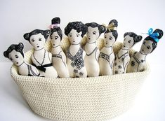 I thought it was about time to devote a post to rag dolls especially with the Holiday season upon us. Rag dolls (and soft toys actually) make such wonderful gifts, especially when they are handmade and have all the love and creativity of the artist poured into them. Nothing better. And I have found …