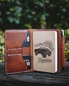 The Handmade Heifer Field Notes Wallet — Journal Leather Book Covers, Leather Books, Leather Notebook, Leather Pieces, Leather Journal, Leather Cover, Leather Passport Wallet, Field Notes, Leather Projects