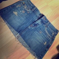 Hollister Jean Skirt Hollister Jean Skirt in perfect condition. Size 3 Hollister Jeans