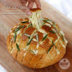 Como fazer pão de pixar com quadrates de queijo derretendo - Receita e dicasr - Pull apart bread with cheese Recipe  - Madame Criativa www.m...