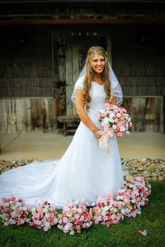 Beautiful Michaela Bringing Up Bates Rustic Country Flower Floral Oudoor Wedding Bride Bridal Picture Idea
