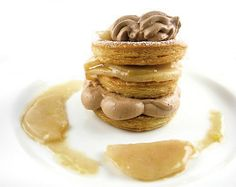 caramelized pears and chocolate pastry cream mille-feuiles Chocolate Pastry, Chocolate Cream, Croquembouche, Individual Desserts, Recipe Link, Pears, Caramel, Deserts, Tasty