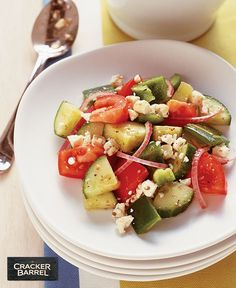 Easy Greek Tomato and Cucumber Salad Crumbled feta, lemon zest and fresh veggies make this classic Greek salad a smart option bursting with Mediterranean flavor. Kraft Foods, Kraft Recipes, Greek Vinaigrette, Side Salad Recipes, Cucumber Recipes, Cucumber Tomato Salad, Broccoli Salad, Cooking Instructions, Greek Salad