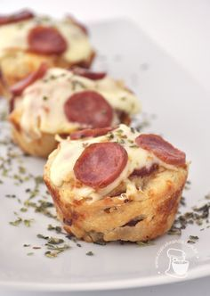 Pizza cupcakes - need to translate I Love Food, Good Food, Yummy Food, Pizza Cupcakes, Snack Recipes, Cooking Recipes, Snacks Für Party, Gordon Ramsay, Food Porn