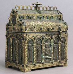 Chasse,late century,from Spain,copper-alloy gilt and silver. Creative Box, Trunks And Chests, Antique Boxes, Pretty Box, Casket, Trinket Boxes, Metal Art, Jewelry Art, Antique Silver
