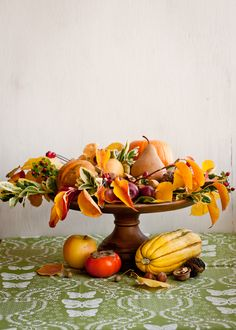 Gorgeous + Simple Fall Centerpiece