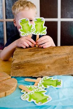five green frogs - free printable puppets