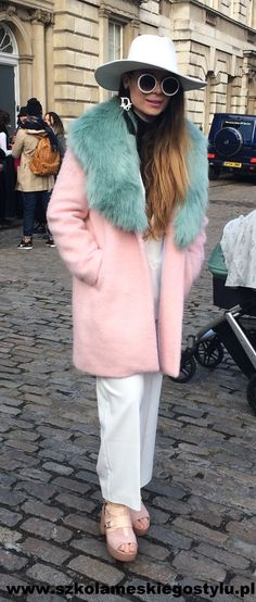 London Fashion Week https://www.facebook.com/szkolameskiegostylu