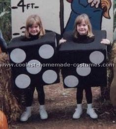 Take a look at the coolest homemade Dice kid costume ideas submitted to our annual Halloween Costume Contest. You'll also find loads of homemade costume ideas and DIY Halloween costume inspiration. Halloween Costume Contest, Creative Halloween Costumes, Halloween Kids, Costume Ideas, Las Vegas Costumes, Casino Costumes, Vegas Theme, Casino Theme, Best Friend Costumes