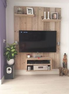 Super cool TV cabinet made of scaffolding wood. Home-made! - Home Page Living Room Tv, Home And Living, Pallet Furniture, Furniture Design, Diy Home Decor, Room Decor, Muebles Living, Tv Cabinets, Wood Pallets