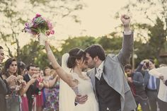 """Enfim, casados!"" venceu na categoria Evento do 4º Concurso Fotografia de Casamento, em 2015 Hera, Couple Photos, Couples, Nice, Wedding Photography, Couple, Mariage, Pictures, Couple Shots"