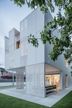 SINGLE FAMILY HOUSE by Ral