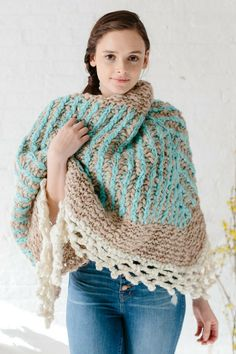 Chunky, bulky knit shawl pattern by Boho Chic Fiber Co. This gorgeous pattern combines 3 colors of our chunky Spun Cloud yarn! Save this pin and click through to learn more about the knitting pattern! Easy knitting patterns, knitting patterns for beginners, boho knits, knit shawl, knit scarf, bulky knit shawl, knitting patterns for women, colorful knits, #knittingpatterns, #knitshawl,