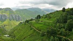 Valles pasiegos #Cantabria #Spain Costa, Places To Go, Mountains, Nature, Travel, Spaces, Paisajes, Tourism, Beach