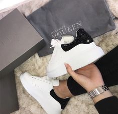 Alexander McQueen Sneaker and sneakers Read More. Alexander Mcqueen Sneakers Women, Alexander Mcqueen Shoes, Sneakers Fashion, Fashion Shoes, Nike Fashion, Sneakers Nike, Sneaker Outfits Women, Luxury Shoes, Types Of Shoes