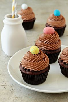 My daughter wants an afternoon tea theme for her bday. I think I'll make mini versions of these.  Chocolate-Malt-Cupcakes
