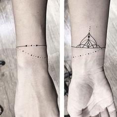 •pulseira• #astattooistas #tattooyou #bracelet #inspirationtattoo #tatuagensfemininas #pinkbecker