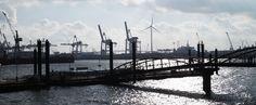Elbe und Hafen vom Vorplatz der Fischauktionshalle   Elbe river and harbour from the forecourt of the fish auction hall   23/02/2015