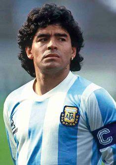 "Tschutti Heftli 2018 Contest ""Ho visto Maradona"" on Behance Legends Football, Football Icon, Best Football Players, Football Is Life, Retro Football, World Football, Football Field, Soccer Players, Football Soccer"