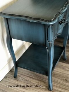 Repurposed Furniture Decor – My Life Spot Redo Furniture, Paint Furniture, Painted Furniture, Cool Furniture, Furniture Rehab, Furniture Restoration, Refurbished Furniture, Furniture Decor, Furniture Finishes
