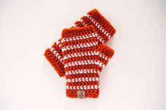These fingerless mitts, made with Vanna's Choice, would make a great holiday gift!