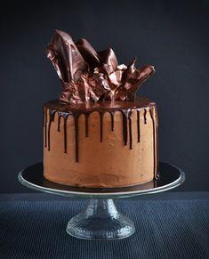Baileys-es mascarponés csokitorta recept és bronz csokivitorla dekoráció  Baileys-mascarpone chocolate cake with bronze chocolate sails