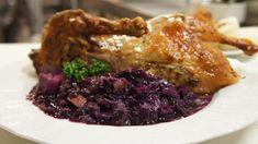 Vyhlášené moravské červené zelí k pečené kachně | foto: Patrik Rozehnal Steak, Pork, Beef, Chicken, Kale Stir Fry, Meat, Steaks, Pork Chops, Cubs