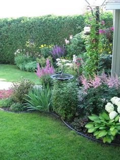 Garden Landscaping Backyard Landscaping Ideas - Plate bande Plus - Backyard Landscaping Ideas – Backyard is an essential part of a house that has a lot of functions. You can turn the yard into a small garden full of vegetable crops, . Back Gardens, Outdoor Gardens, Front Yard Gardens, Front Yard Planters, Landscape Elements, Landscape Architecture, Landscape Bricks, Landscape Rake, Backyard Garden Landscape