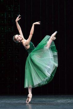 balet frumos arde grăsime
