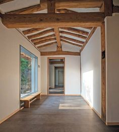 Loving those beams Filipino Architecture, Architecture Old, Asian House, Japanese Style House, Interior And Exterior, Interior Design, Japanese Interior, Traditional House, Korean Traditional