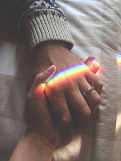 Imagen de love, rainbow, and hands