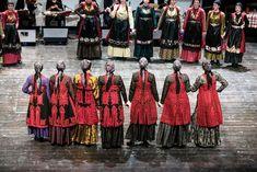 Από εκδήλωση του Πολιτιστικού Συνδέσμου Ζαγορισίων Ιωαννίνων Lace Skirt, Greece, Skirts, Dresses, Fashion, Greece Country, Vestidos, Moda, Skirt