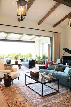 A home we did in Palos Verdes, California, on a cliff overlooking the ocean. Photo: Jessica Comingore