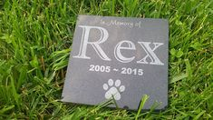Personalised Pet Stone Memorial Marker Granite Marker Dog Cat Horse Bird Human 6' X 6' Custom Design Personalizd Labrador Golden Retreiver ** You can get more details by clicking on the image. (This is an affiliate link and I receive a commission for the sales)
