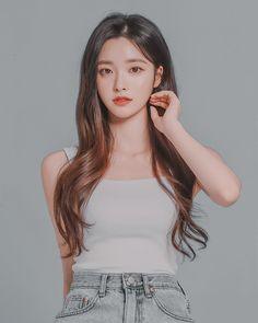 Korean Beauty Girls, Pretty Korean Girls, Cute Korean Girl, Asian Beauty, Asian Girl, Mode Ulzzang, Ulzzang Korean Girl, Korean Girl Photo, Korean Girl Fashion