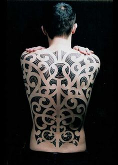 Maori tattoo, aka Ta Moko, is a form of body art practiced by indigenous Maori people in New Zealand. Like other Polynesian tattoos, it isone of source patterns in tribal tattoo designs. Facial Tattoos, Body Art Tattoos, Sleeve Tattoos, Maori Tattoos, Polynesian Tattoos, Polynesian Designs, Tattoo Tribal, Ta Moko Tattoo, Full Back Tattoos