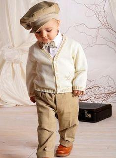 outfit baby junge herbst creme cardigan beige hosen mütze
