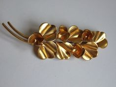 Old gold plated brooch