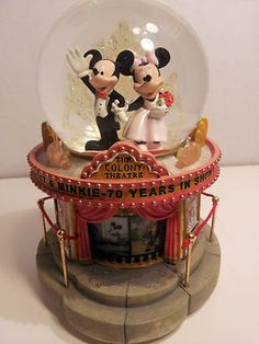 BEAUTIFUL LIGHTED AND MUSICAL DISNEY SNOWGLOBE - MICKEY AND MINNIE 70 YEARS