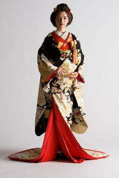 神前挙式衣装 | 神社で結婚式 Japanese Outfits, Japanese Fashion, Asian Fashion, Japanese Costume, Japanese Kimono, Japanese Textiles, Yukata Kimono, Kimono Dress, Beautiful Japanese Girl