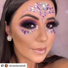 34 Affordable Fairy Unicorn Makeup Ideas For Halloween Party To Have Asap Coachella Makeup Affordable Asap Fairy Halloween Ideas makeup Party Unicorn Glitter Carnaval, Make Carnaval, Rave Makeup, Goth Makeup, Jewel Makeup, Unicorn Makeup, Mermaid Makeup, Coachella Make-up, Rhinestone Makeup